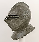 Close Helmet for the Field