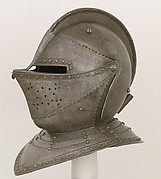 Close-Helmet for the Field
