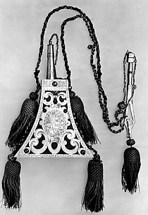 Powder Flask and Wheellock Spanner Made for the Bodyguard of the Prince-Elector of Saxony