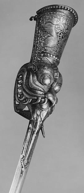Gauntlet Sword