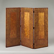 Three-paneled screen