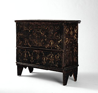 Chest-with-drawer