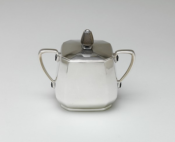Covered sugar bowl