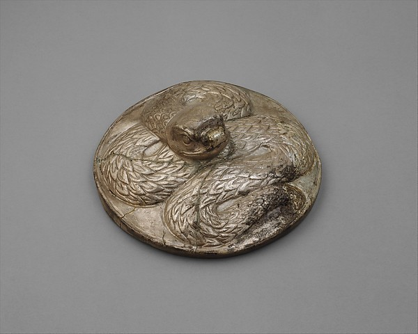 Lid (?) with a serpent
