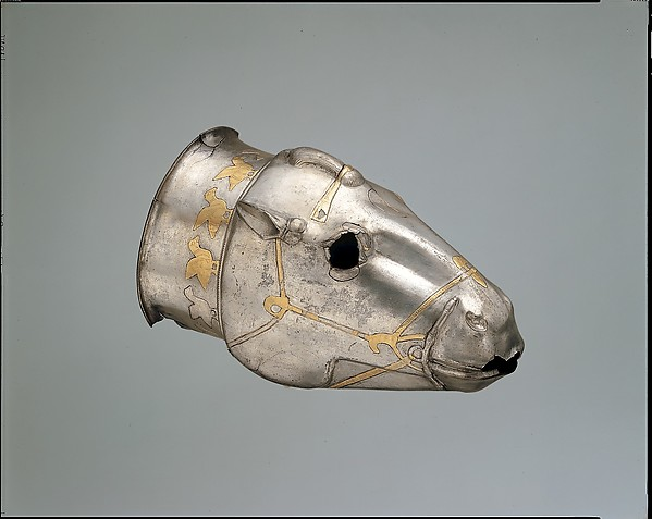 Vessel in the form of a horse's head