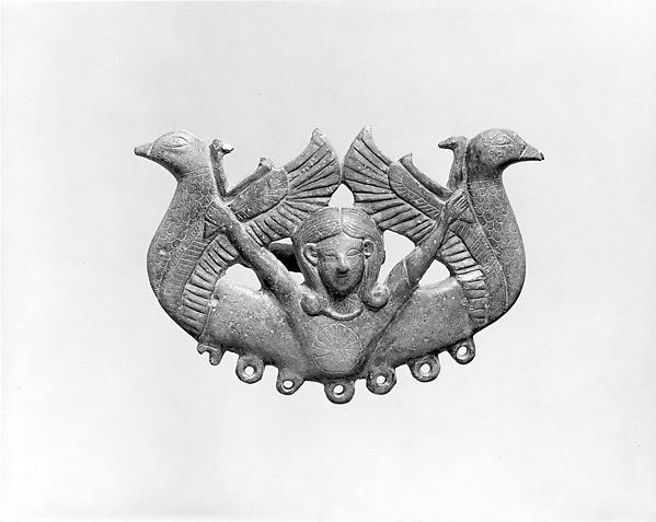 Harness or bridle fitting (?) in the form of a mistress of animals and waterbirds