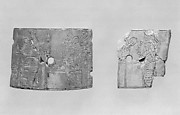 Cosmetic-box fragments with musicians and a royal attendant