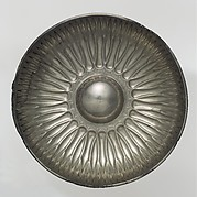 Bowl with a radiating petal design