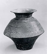 Carinated jar