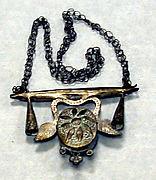 Necklace: Pendant (?)