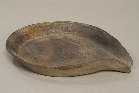 Plain Ceramic Spouted Tray