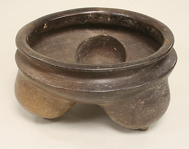 Ceramic Tripod Vessel