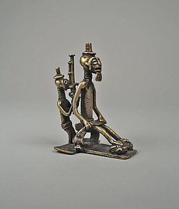Gold Weight: Chief with Attendant
