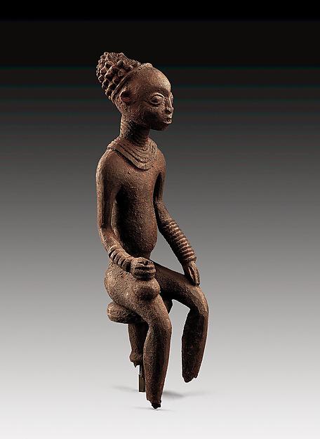 Commemorative figure of a chief
