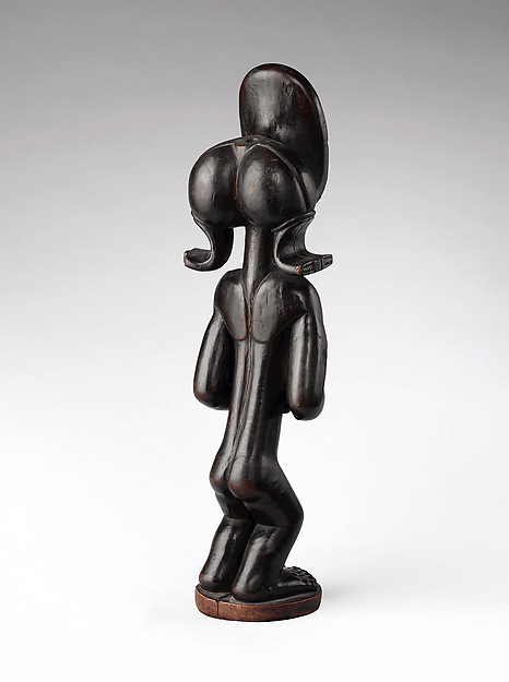 Commemorative figure of a chief