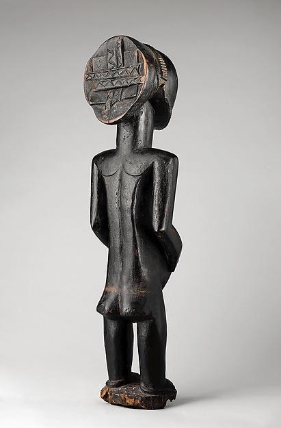 Commemorative figure