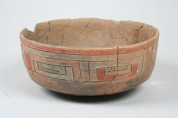 Incised bowl with eye motif