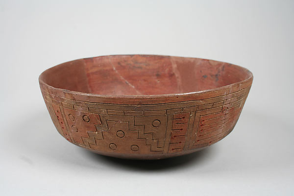 Incised bowl with geometric pattern