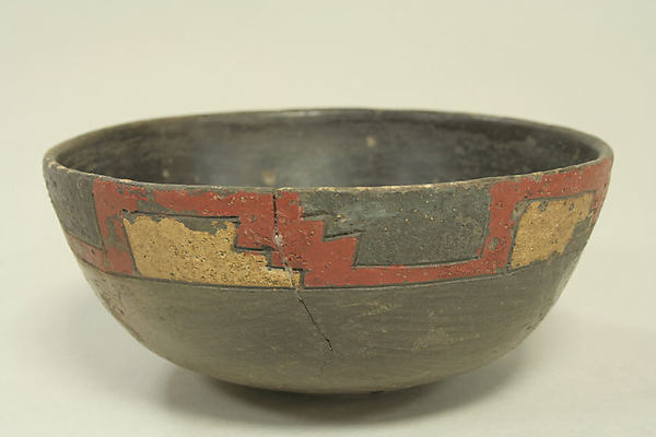 Incised Greyware Bowl