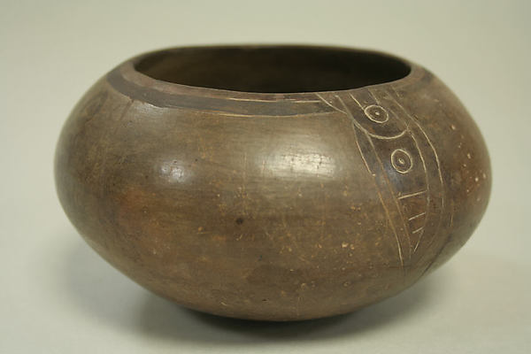 Incised Painted Bowl with Leaf Motif