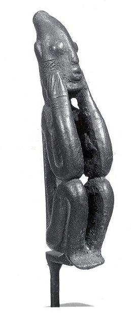 Figure: Seated Male (Dyongou Serou)