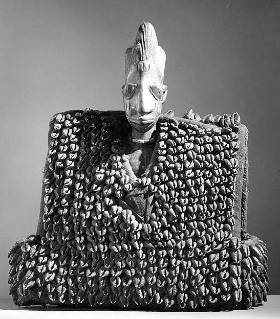 Twin Figure: Male with Garment (Ewu ileke Ibeji)