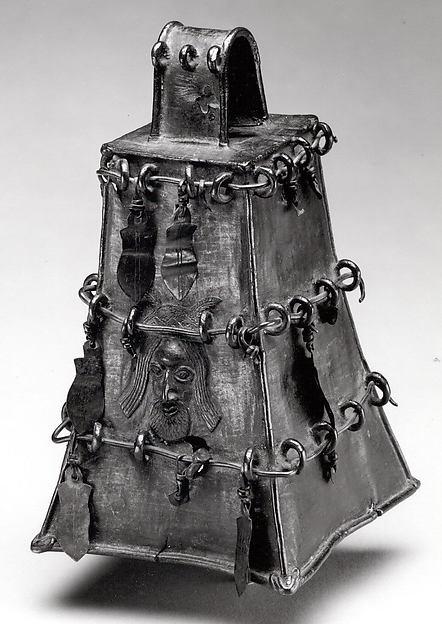 Altar Bell: Portuguese Face