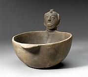 Bowl, Head on Rim