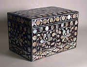 Box with decoration of lotus scrolls