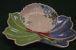 Maple Leaf-Shaped Dish with Design of Chrysanthemums