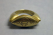Ring with Oblong Bezel and