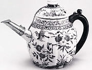 Lobed Teapot with Floral Design