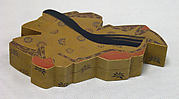 Box in the Shape of a Court Lady
