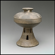 Pedestal Dish with Cover