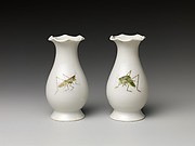 Pair of vases with crickets