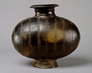Cocoon-Shaped Vessel