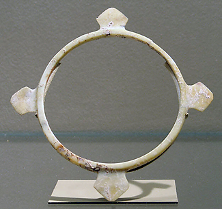 Bangle with Flanges