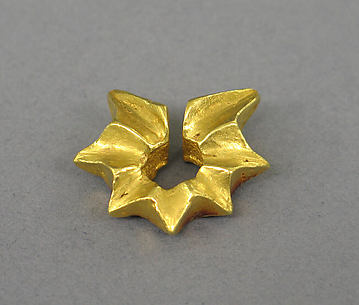 Ear Clip in the Shape of a Starfruit