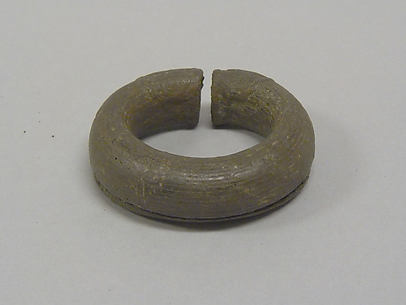 Hollow Bangle with Striations and Pellets