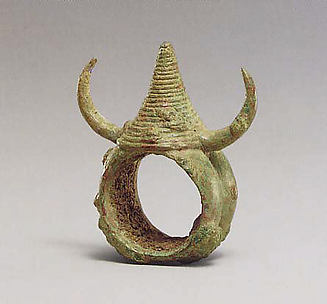 Ring with Horns