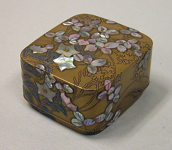 Box with Design of Bellflower and Bush Clover