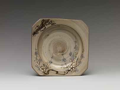 Square Dish with Decoration of Cherry Blossoms