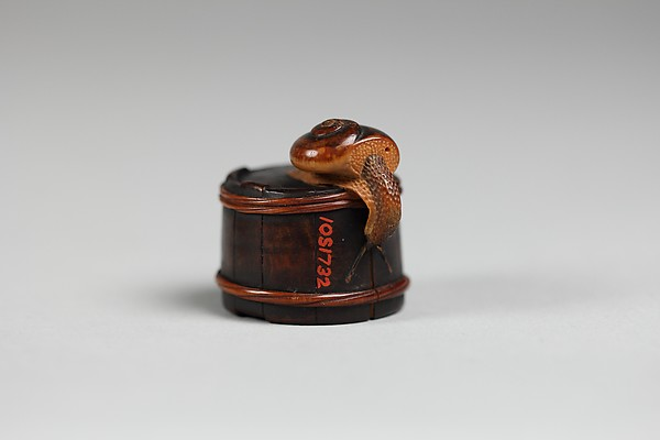 Netsuke of Snail on a Box