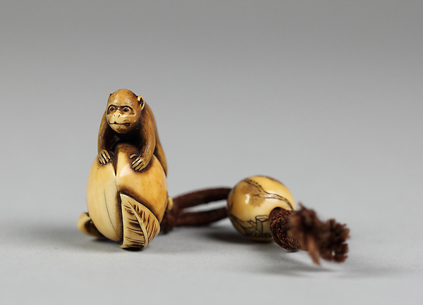 Netsuke of Monkey on Peach