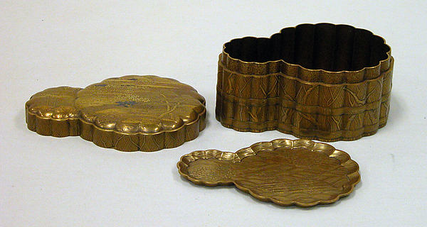 Incense Box with Design of Landscape in Spring (Side: Fagots with Cords)