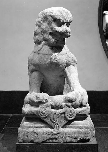 明 雙獅 石雕<br/>Seated Lion (one of a pair)