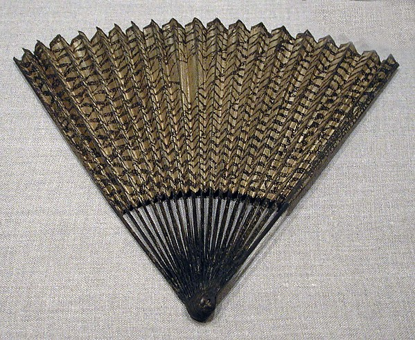 明  佚名  網紋圖  扇<br/>Folding Fan with Fishing Net Decoration