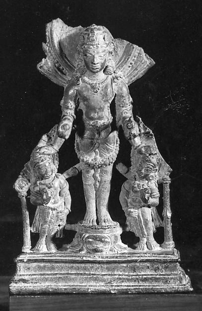 Standing Four-Armed Vishnu with His Purushas (Personifications of his Weapons)