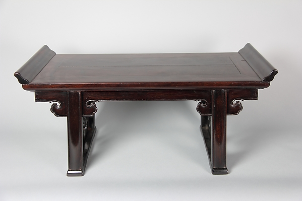 紫檀小案<br/>Table stand