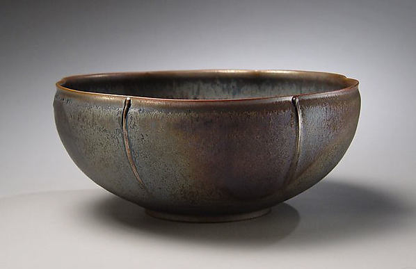 Six-Lobed Deep Bowl